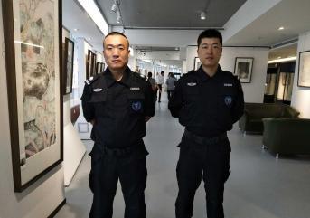 教你怎么做好大厅保安!